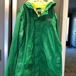 the north face hooded raincoat boys size 18/20